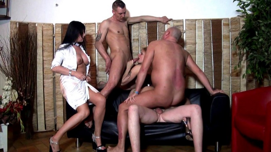 JacquieEtMichelTV – A chacune son gang-bang GlamourBabe