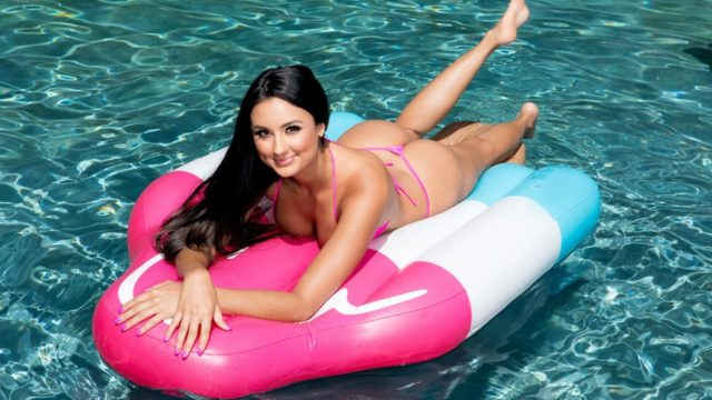 BabyGotBoobs – Diving for a Good Dicking – Eliza Ibarra